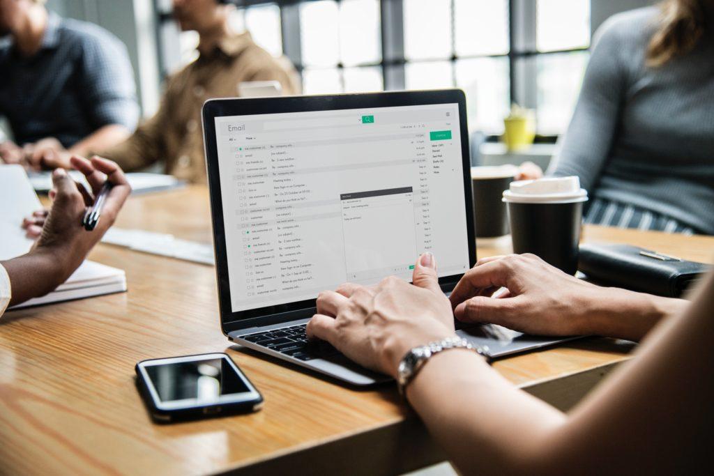 Diferencias entre chat y mensajería
