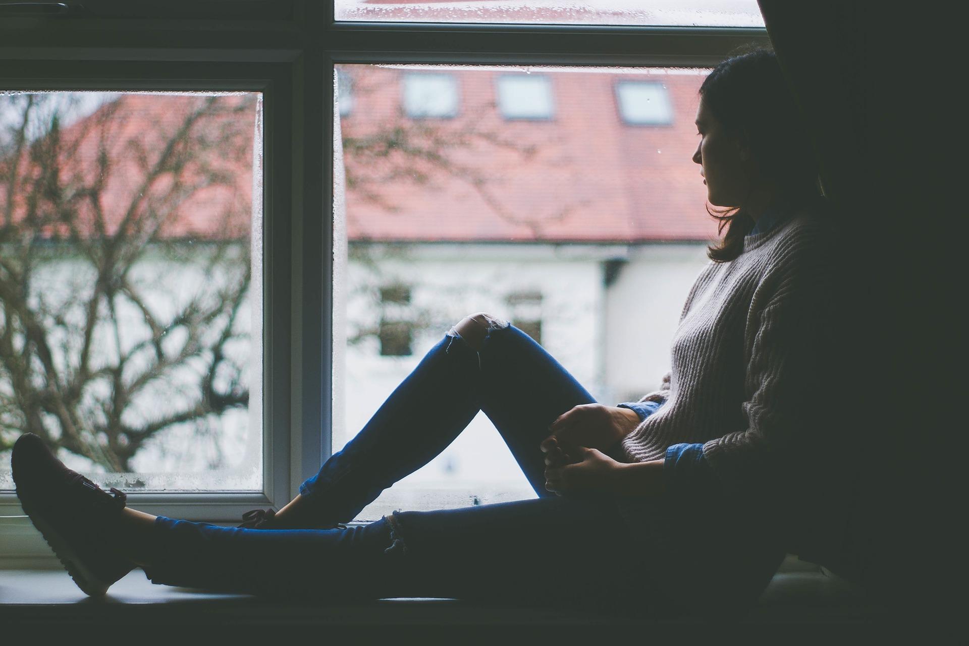 Diferencias entre estar deprimido y depresivo
