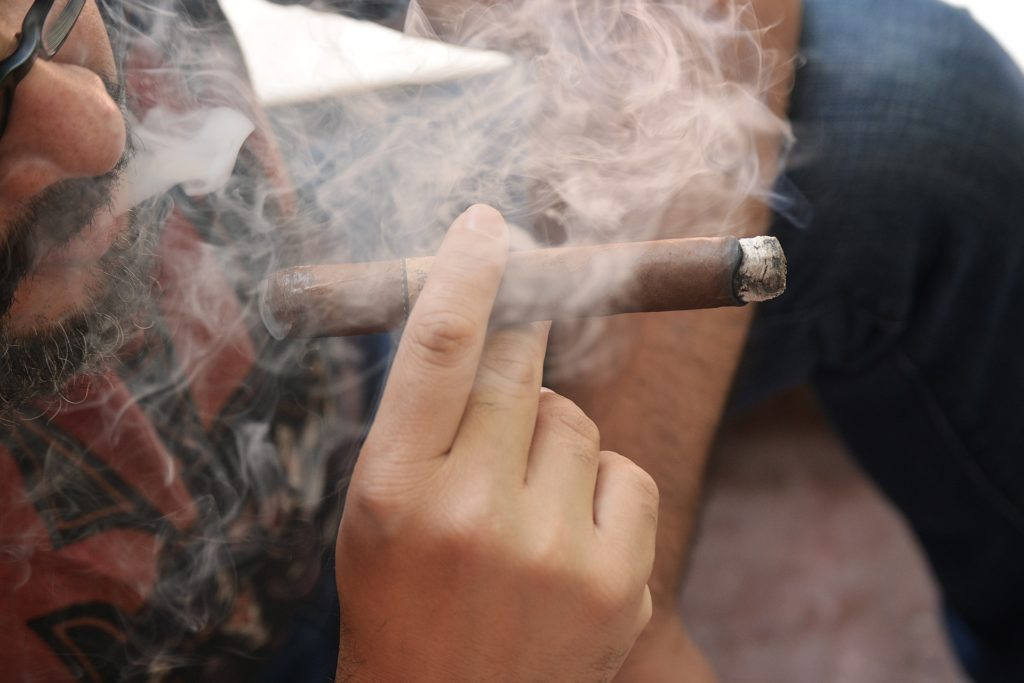 Diferencias entre cigarro y puro